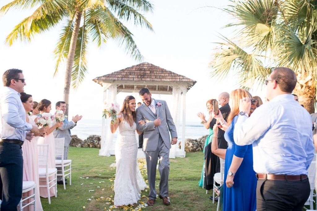 Wedding Ceremony at Villa Montana Beach Resort by Puerto Rico wedding photographer Camille Fontanez