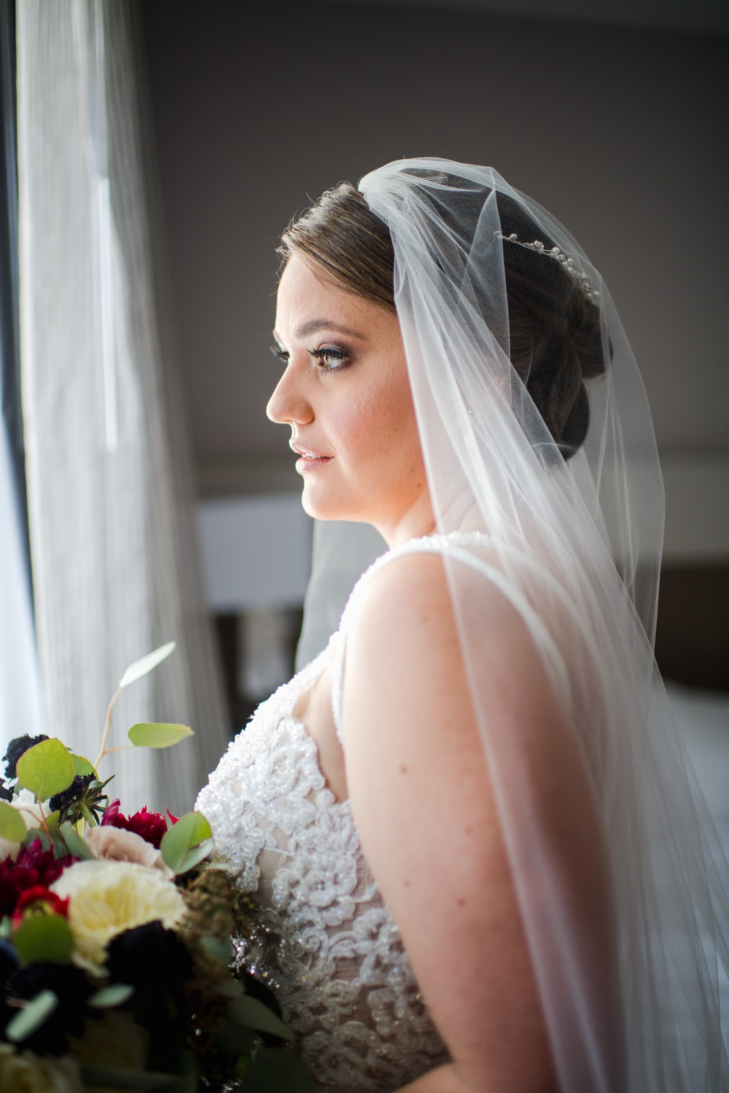 Bridal getting ready at AC Marriott Hotel by Puerto Rico wedding photographer Camille Fontanez